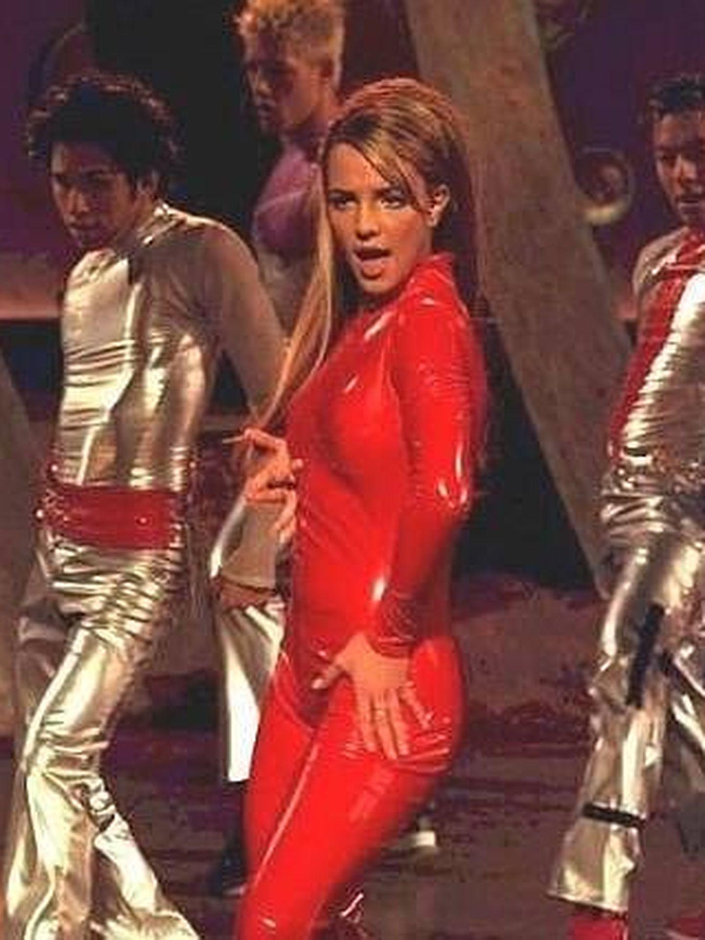 Britney Spears en una imagen del videoclip con el mono de látex. (Instagram)