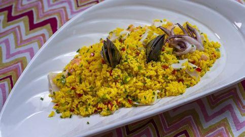 La ensalada del mar con arroz para disfrutar en verano