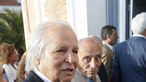 Los hijos de Palomo Linares le plantan en su último adiós en el funeral