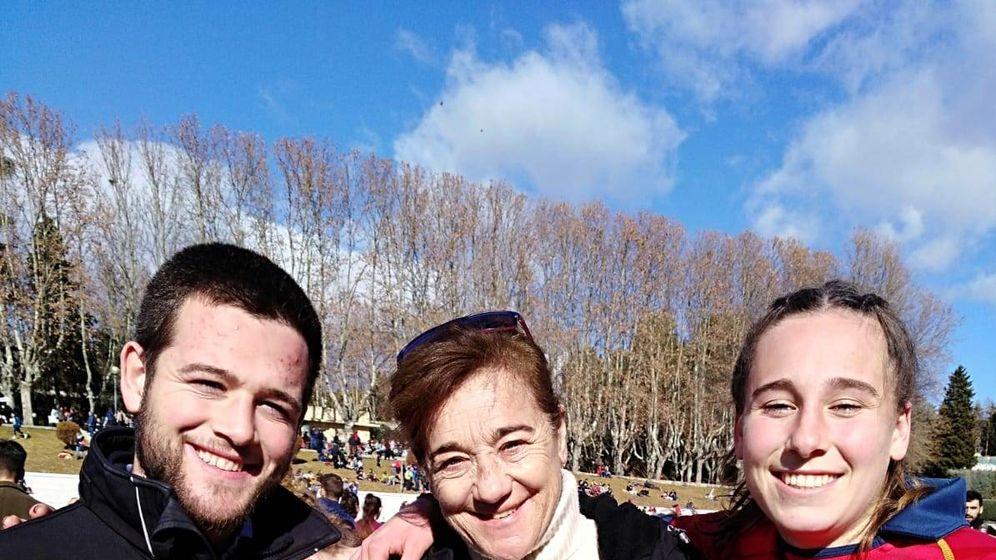 Foto: Blanca Fernández, con sus dos hijos: Olivia y David Fresneda. (Redes)