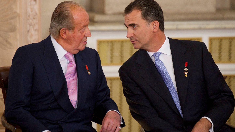 Felipe VI, junto a su padre. (Limited Pictures)