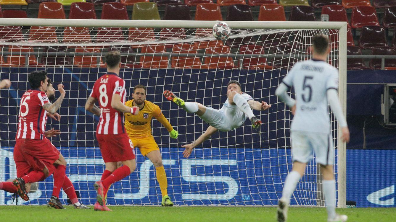 Giroud tumba el rácano plan de Simeone con un golazo de chilena (0-1)