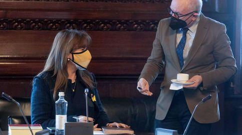 Borràs planea cambiar el reglamento del Parlament para blindarse si va a juicio