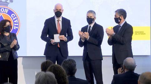 El Confidencial recibe la medalla al mérito civil por su labor social durante la pandemia