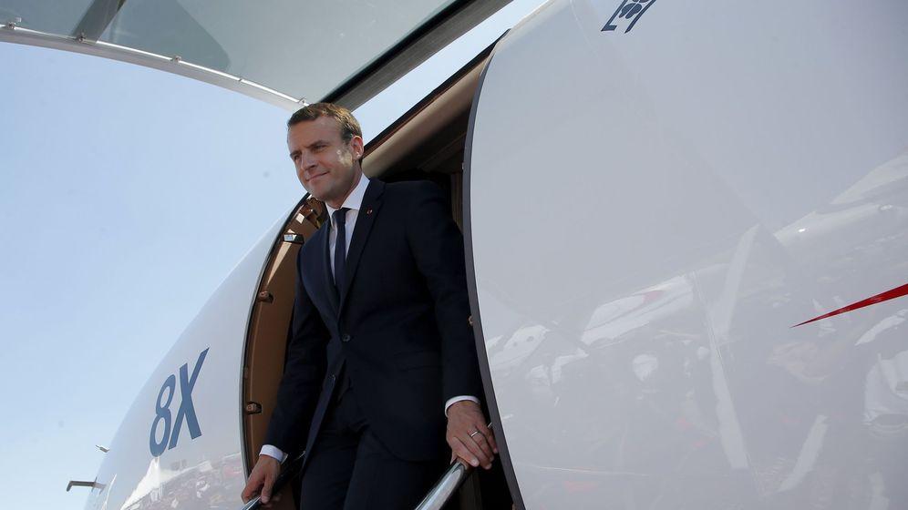 Foto: Macron en el salón aeronáutico de Le Bourget. (Efe)