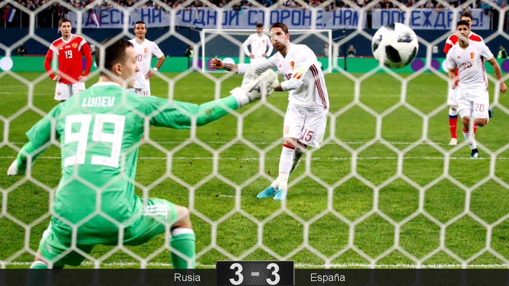 Foto: Ramos marca su segundo penalti del partido. (Reuters)