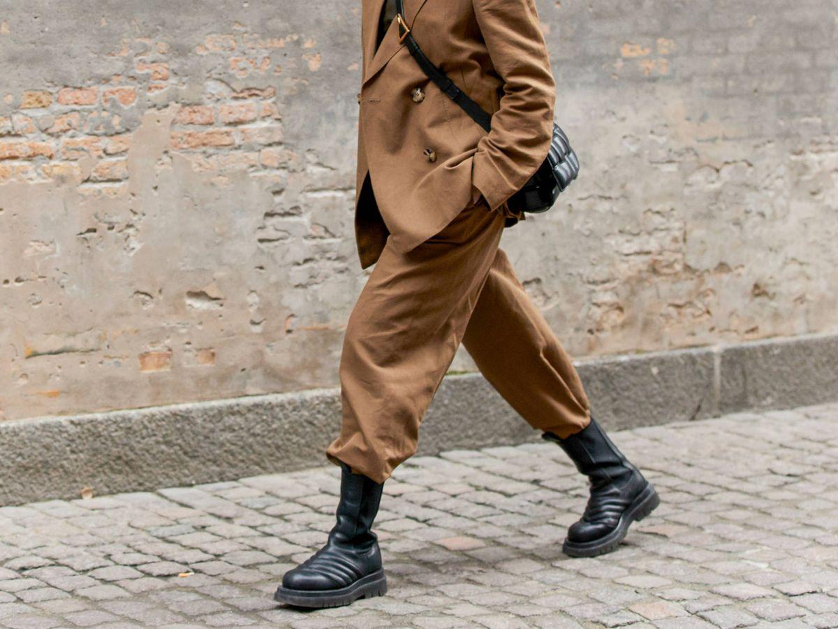 Foto: Las botas con suela track son las más vistas en el street style. (Imaxtree)