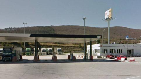 Un conductor encuentra un cadáver en el techo de su camión cuando paró en una gasolinera de Alsasua