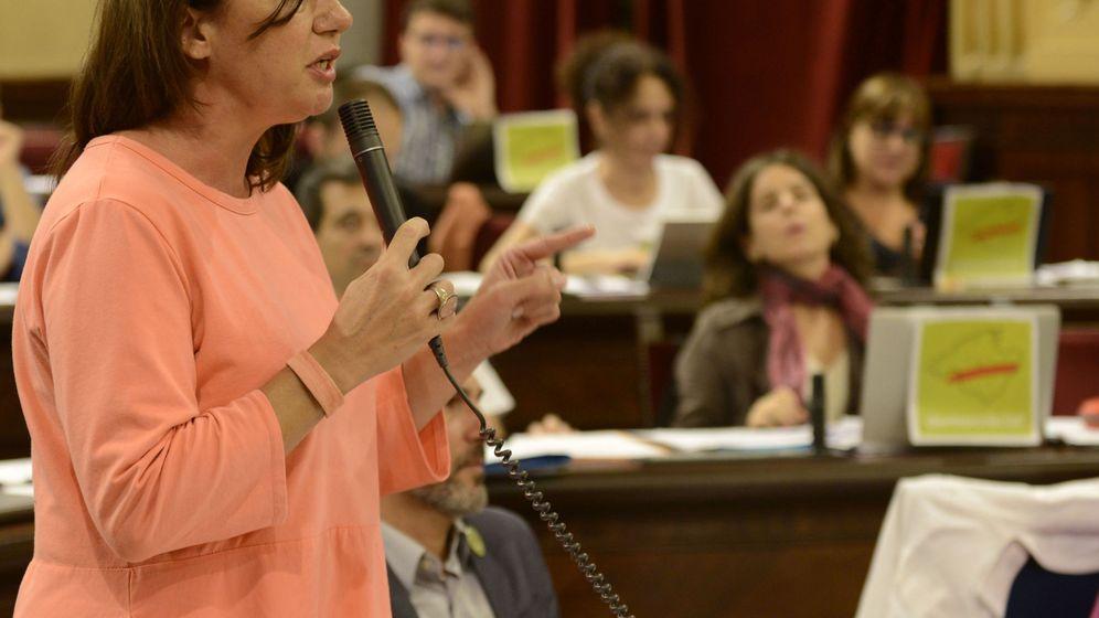 Foto:  La presidenta de Baleares, Francina Armengol, en un pleno del Parlamento Balear. (EFE)