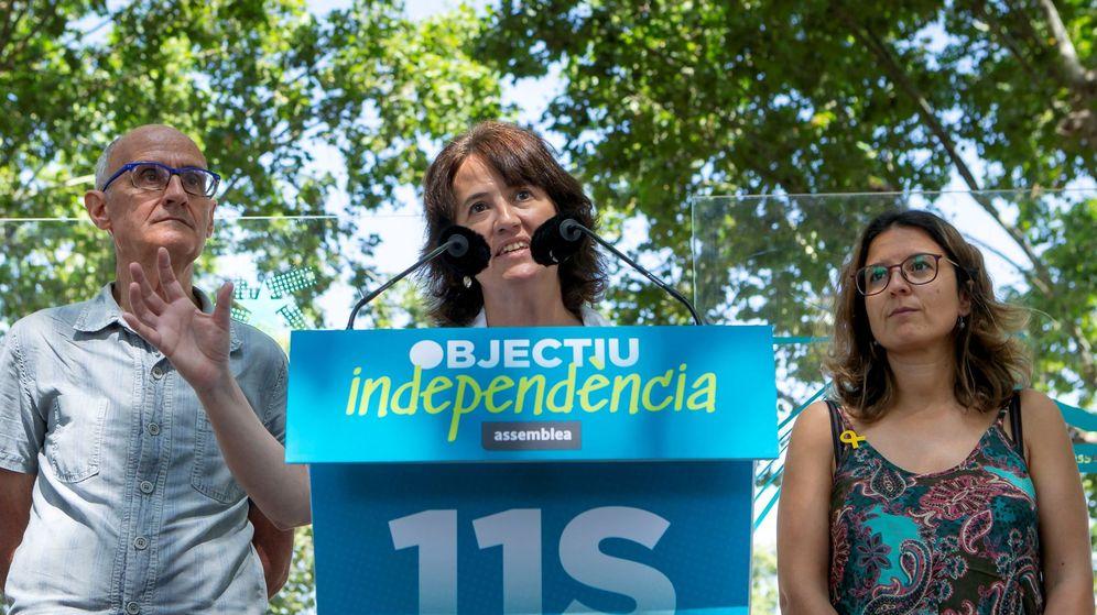 Foto: La presidenta de ANC, Elisenda Paluzie (c). (EFE)