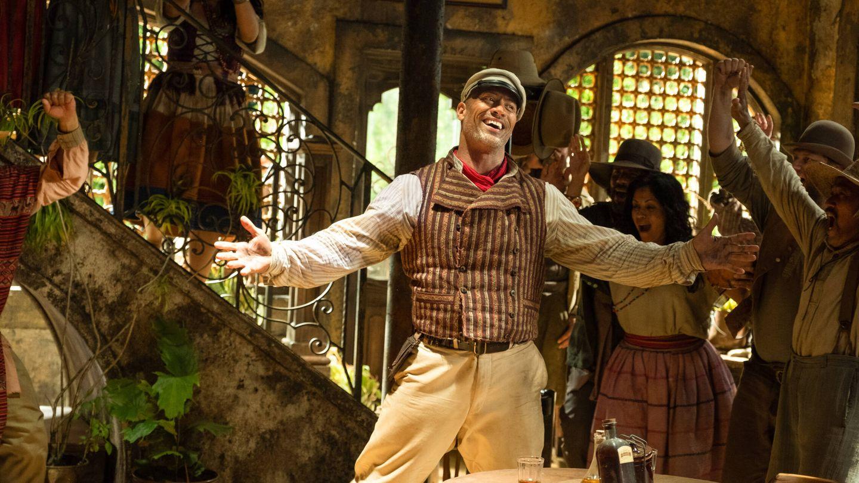 Dwayne Johnson es Frank Wolff, un buscavidas que trabaja como barquero en el Amazonas. (Disney)