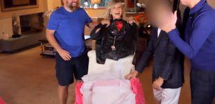Post de Compran la chaqueta de Grease de Olivia Newton-John para regalársela