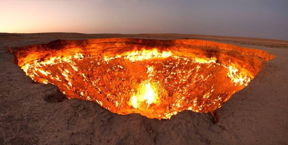 Foto: Así es la 'Puerta del Infierno', el pozo que lleva ardiendo medio siglo sin parar. (CC/Wikimedia Commons)