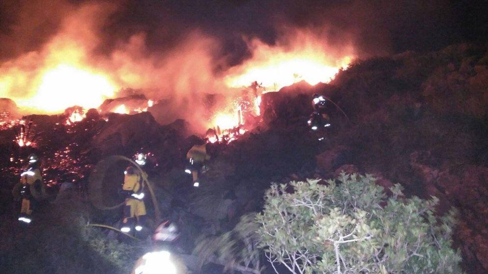 Foto: El incendio de Port de Pollença (Mallorca) provoca los primeros desalojos esta noche. (Foto: 112 Islas Baleares)