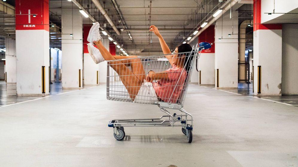 Foto: Existe un manual para comprar bien en rebajas y te lo ofrecemos en Vanitatis. (Unsplash)