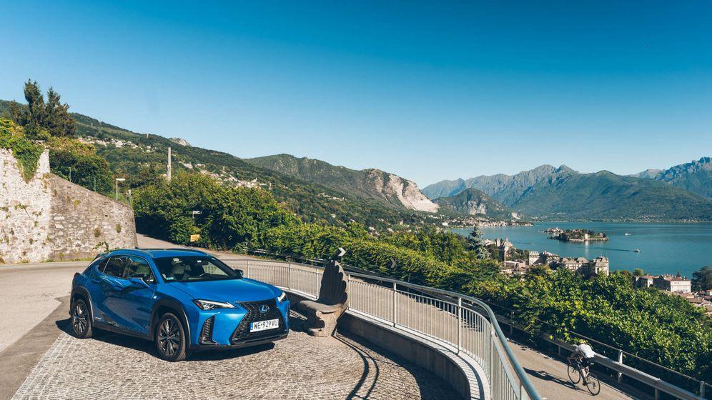 Foto: Lexus UX 250h, un coche híbrido de enfoque urbano que se mueve muy bien en carreteras de montaña.