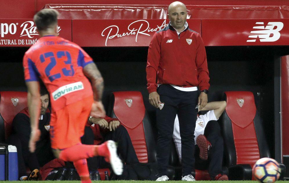 Foto: Jorge Sampaoli decidió hace tiempo dejar el Sevilla para entrenar a la selección de Argentina. (EFE)