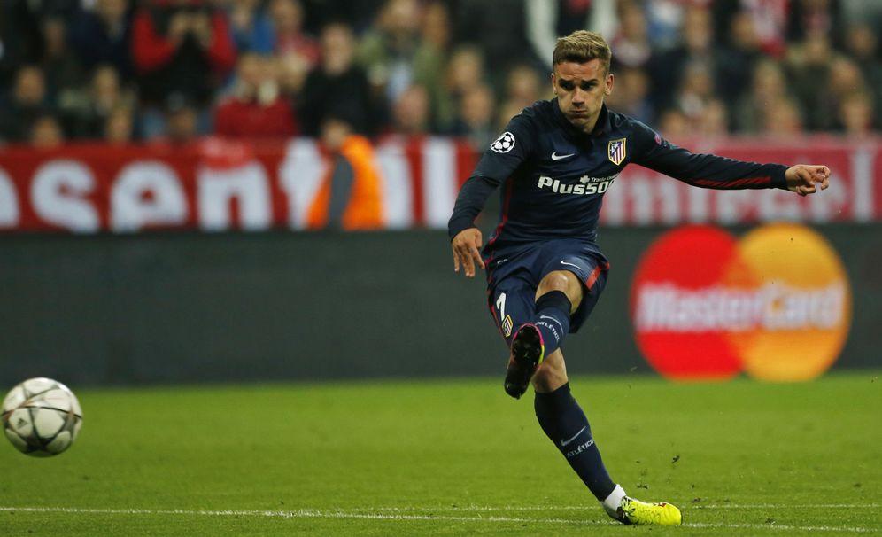 Foto: Griezmann, en el momento de marcar el gol que supuso el 1-1 en el Allianz Arena. (Reuters)