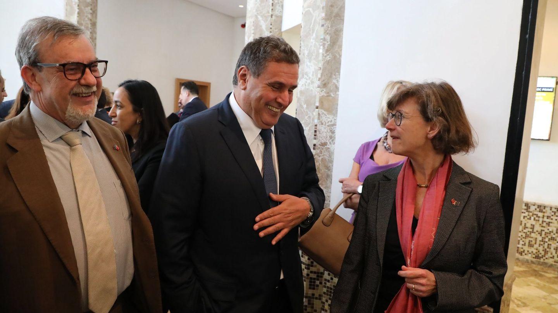 Imagen de archivo: en sus funciones de Agricultura y Pesca, Aziz Akhannouch, con la embajadora de la UE para Marruecos, Claudia Wiedey, y con el responsable de la Unidad de la Dirección General de Asuntos Marítimos y Pesca de la UE, Christian Rambaud. (EFE)