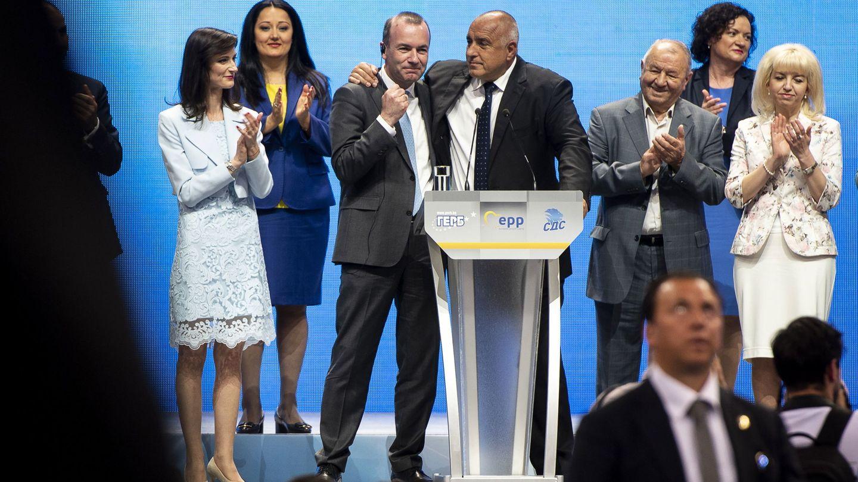 El líder del PPE, Manfred Weber, junto al primer ministro búlgaro, Boyko Borissov (Reuters)