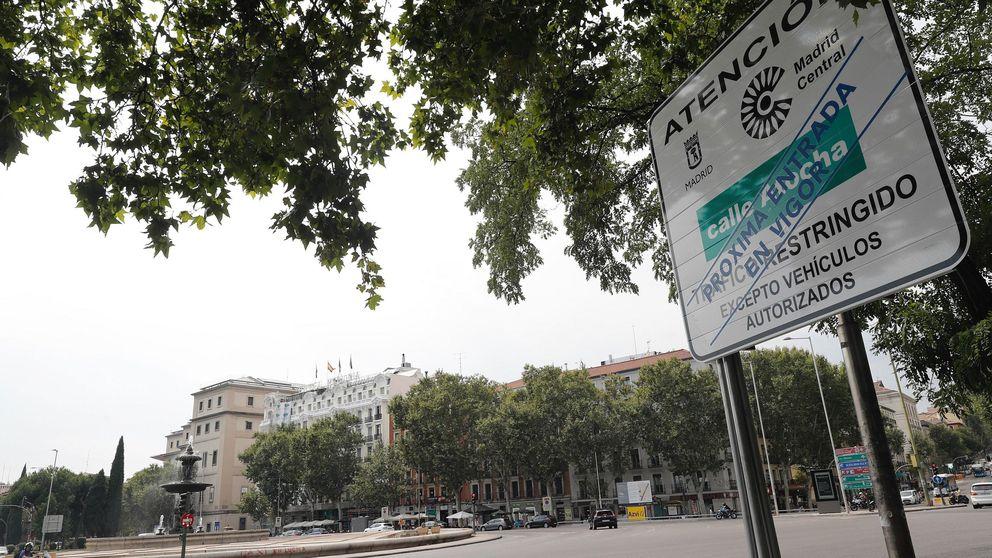 Madrid Central arrancará sin paneles que avisen de los 'parkings' libres
