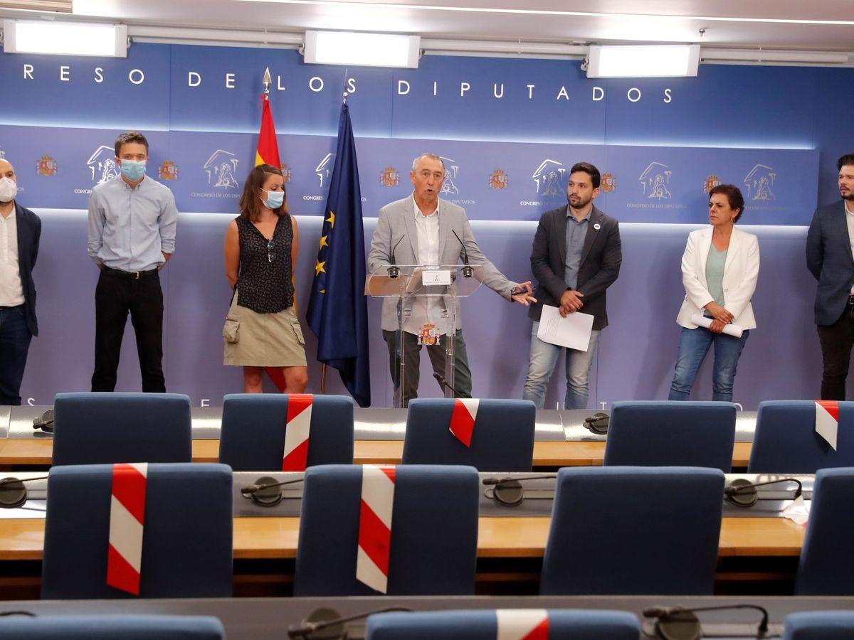 Foto: Los portavoces de BNG, Más País, CUP, Compromís, JxCAT, Bildu y ERC, este miércoles en el Congreso. (EFE)