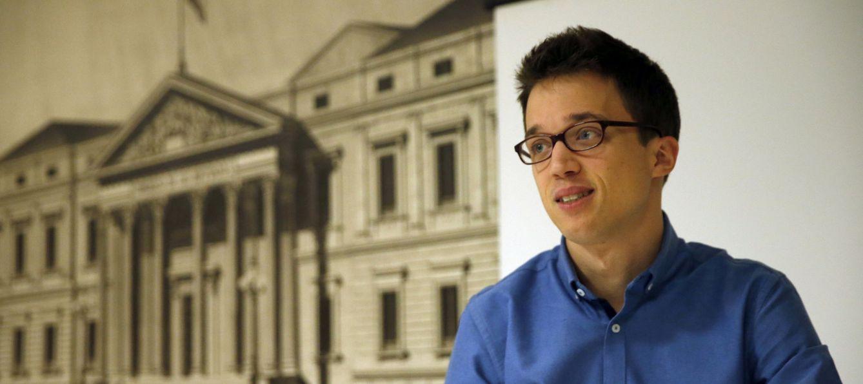 Íñigo Errejón, secretario de Política de Podemos, tras recoger su acta como diputado por Madrid, este 7 de enero. (EFE)