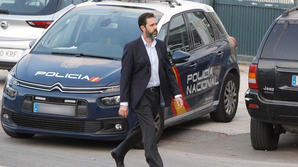 Foto: Miguel López, a su llegada al juzgado. (EFE)