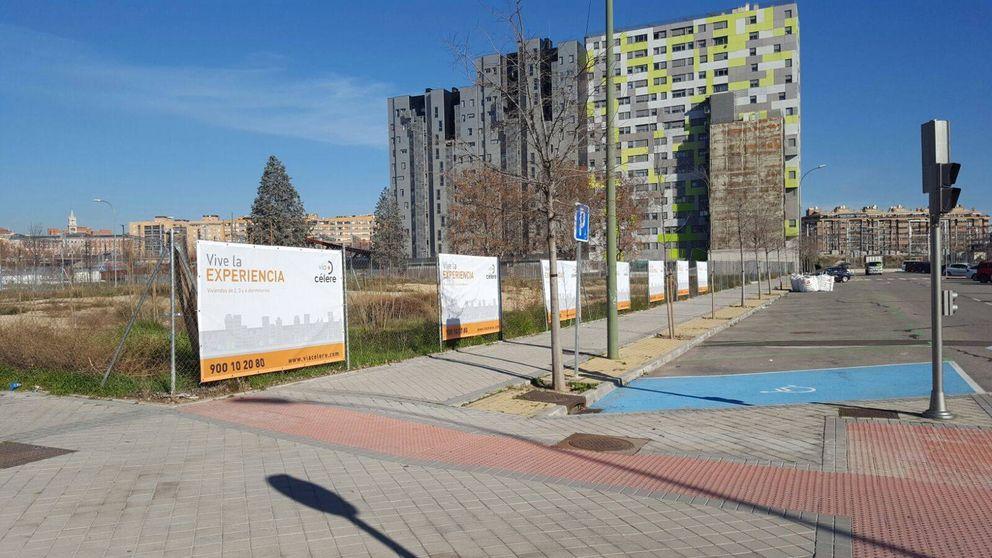 Euforia colectiva por hacerse con una vivienda nueva en el centro de Madrid
