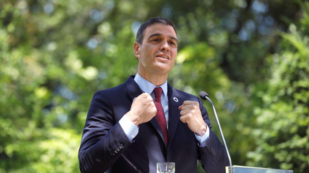 Sánchez dice que nunca pensó en la gran coalición y el PP critica su cinismo