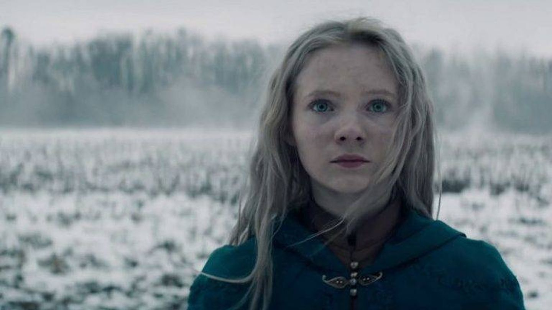 Ciri (Freya Allan) iba a ser la protagonista de 'The Witcher'. (Netflix)
