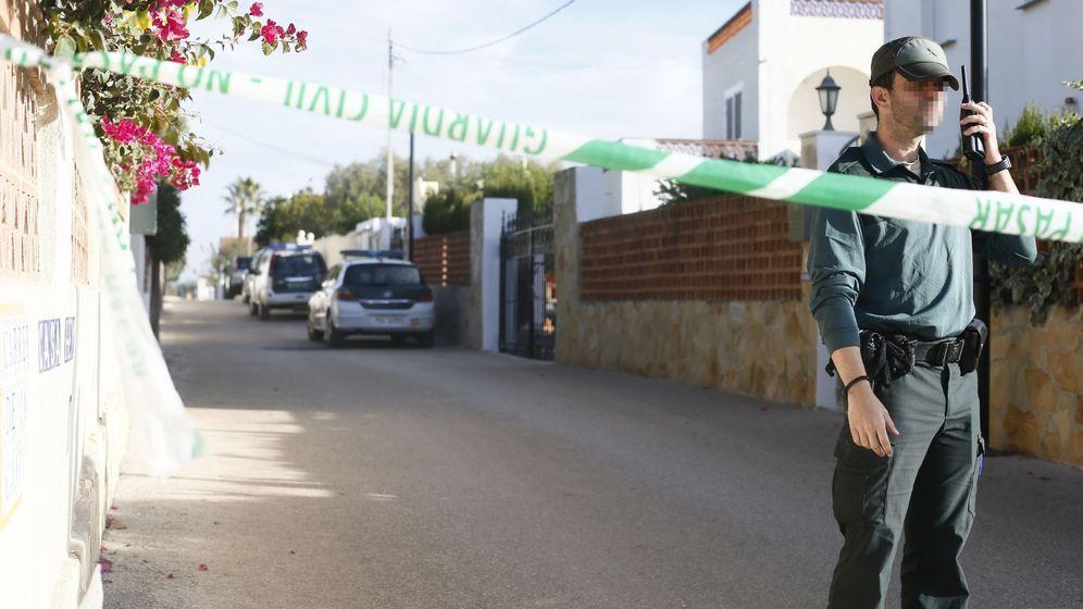 Foto: Imagen de archivo de un Guardia Civil en un caso de violencia machista. (EFE)
