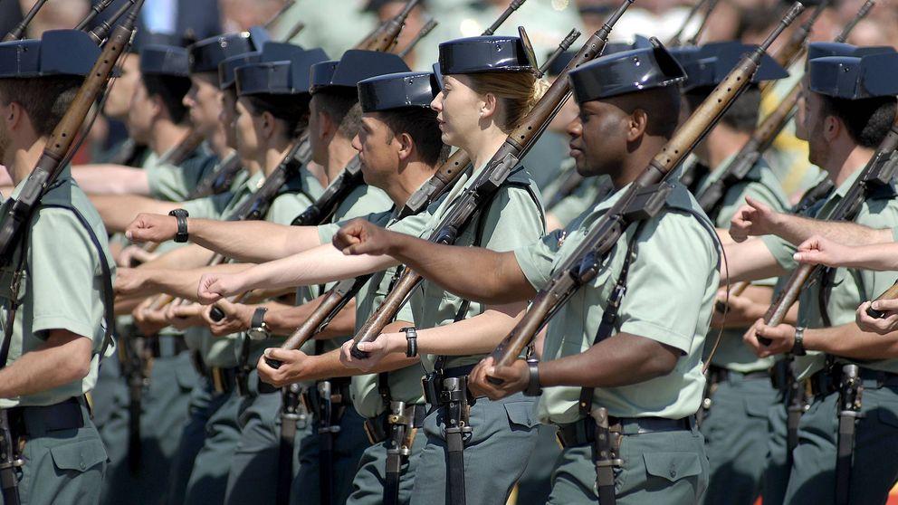 Motín en la Guardia Civil: medio millar de mandos se niegan a perder 500 euros al mes