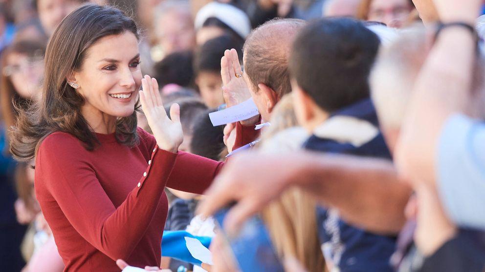 Doña Letizia en Soria: dejad que los niños (y adolescentes) se acerquen a mí