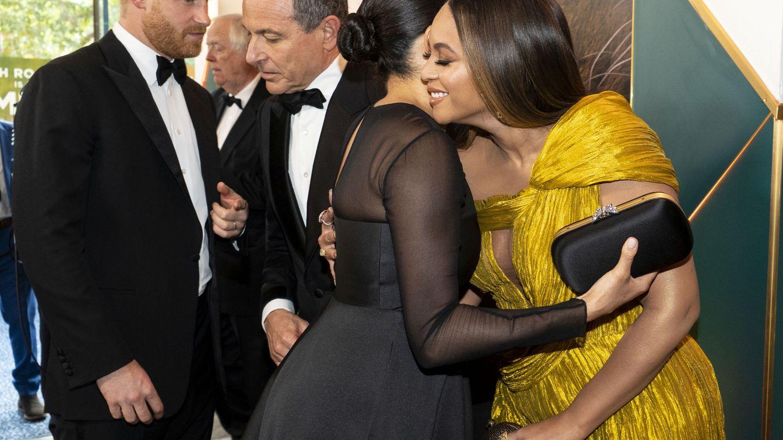 Encuentro de Meghan Markle y Beyoncé este domingo en el estreno de 'El Rey León'. (Reuters)