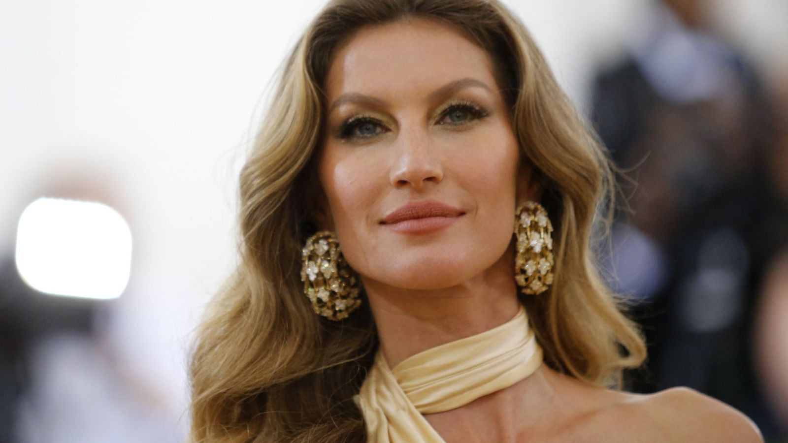 Estilista  Trucos y tratamientos para tener un pelo brillante como las  celebrities e211c33fc8fd