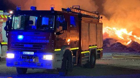 El incendio de un vertedero aconseja confinar a 10.000 personas en Toledo