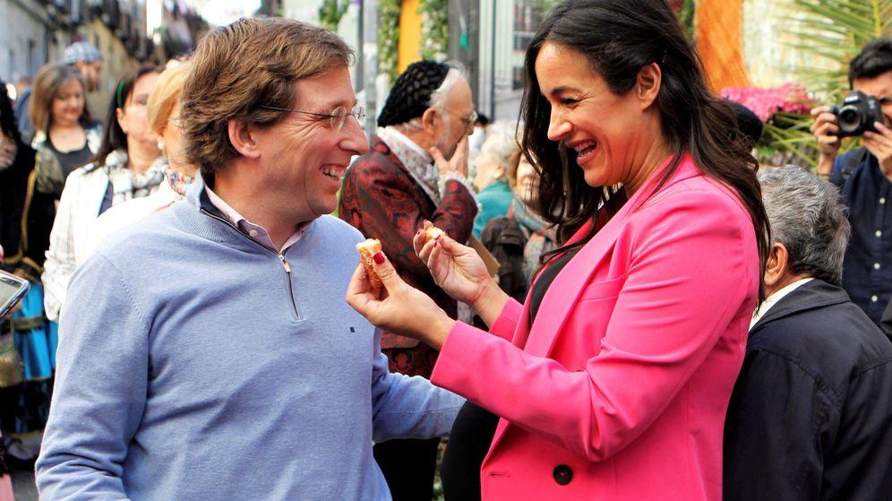 Foto: La candidata de Ciudadanos a la alcaldía de la capital, Begoña Villacís, y el candidato del PP, José Luis Martínez. (EFE)