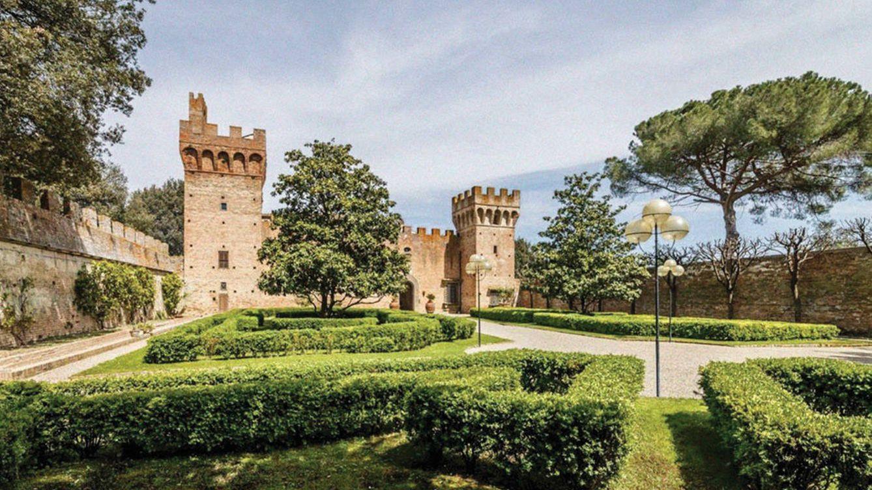 El castillo de 600 años en el corazón de la Toscana que puede ser suyo