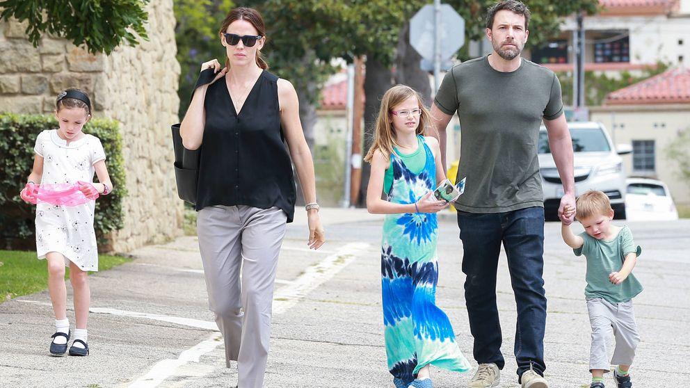 Ben Affleck y Jennifer Garner viajan a París con sus hijos