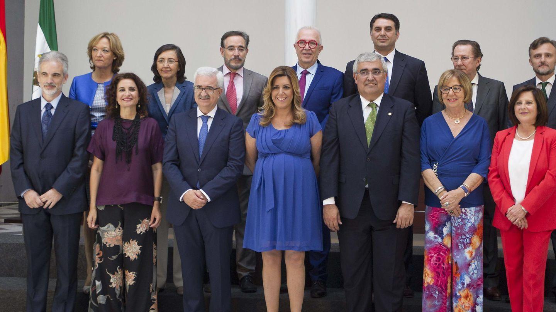 Nuevo Gobierno de la Junta de Andalucía con Susana Díaz al frente. (EFE)