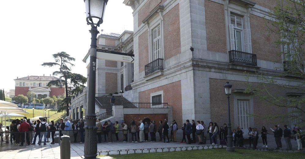Foto: Colas en el Museo del Prado (EFE)