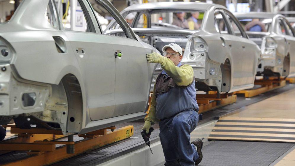 Foto: Cadena de montaje de vehículos. (EFE)