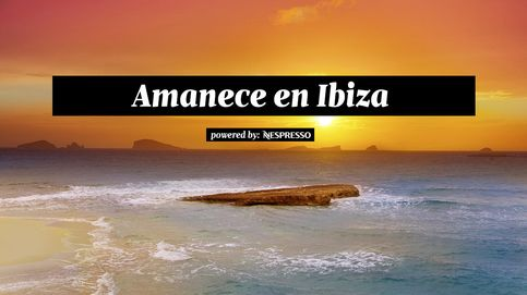 Empieza el día en una cala de Ibiza dejándote mecer por el vaivén del agua y la brisa