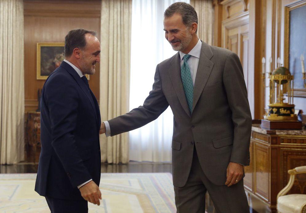 Foto: El Rey recibe en audiencia a Javier Esparza, líder de UPN, este 5 de junio. (EFE)
