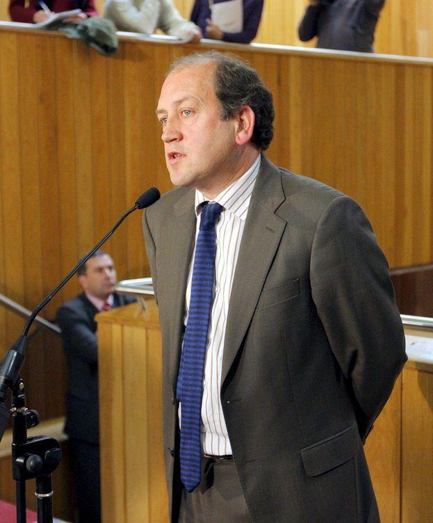Foto: Xoaquín Fernández Leiceaga, en rueda de prensa en el Parlamento gallego en abril de 2009, cuando era portavoz del PSdeG. (EFE)