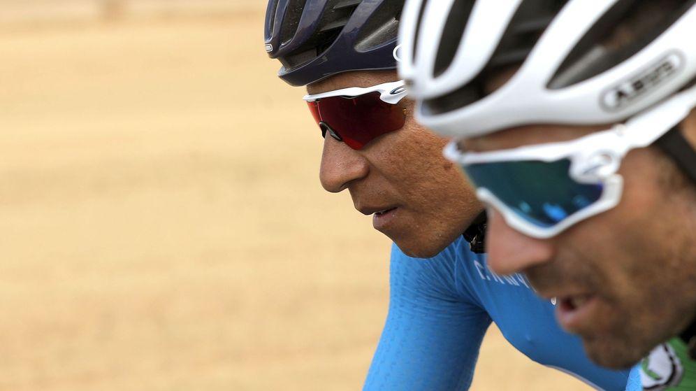 Foto: Valverde y Nairo Quintana, los dos hombres fuertes del Movistar en La Vuelta. (EFE)