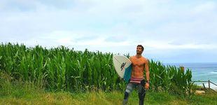 Post de Santi Burgoa, el nuevo 'objetivo' de Alba Carrillo: viajero y amante del surf
