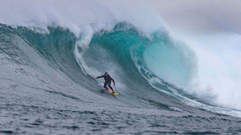 El mar como un café 'cappuccino': espectaculares olas en Ciudad del Cabo