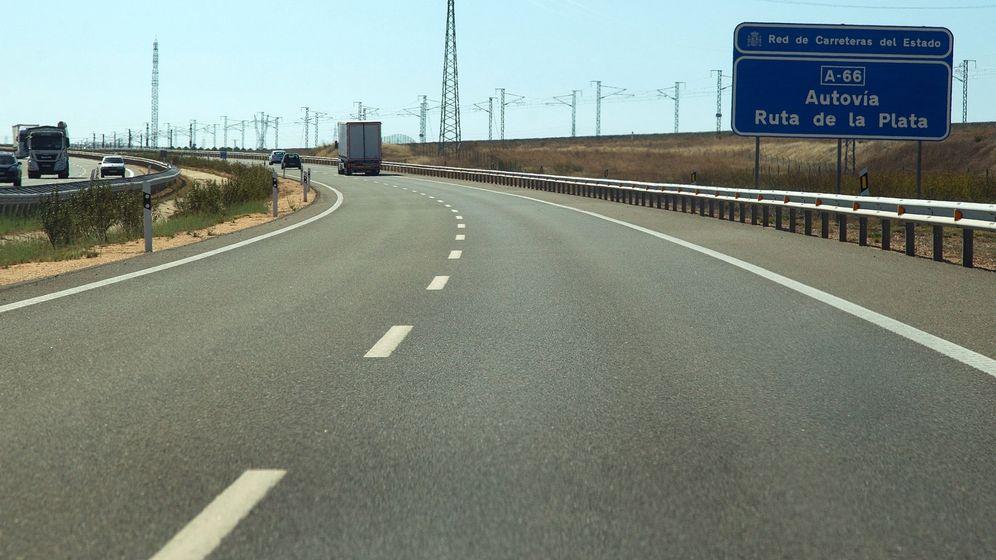 Foto: Zona donde se produjo el accidente en Montamarta (Zamora). (EFE)